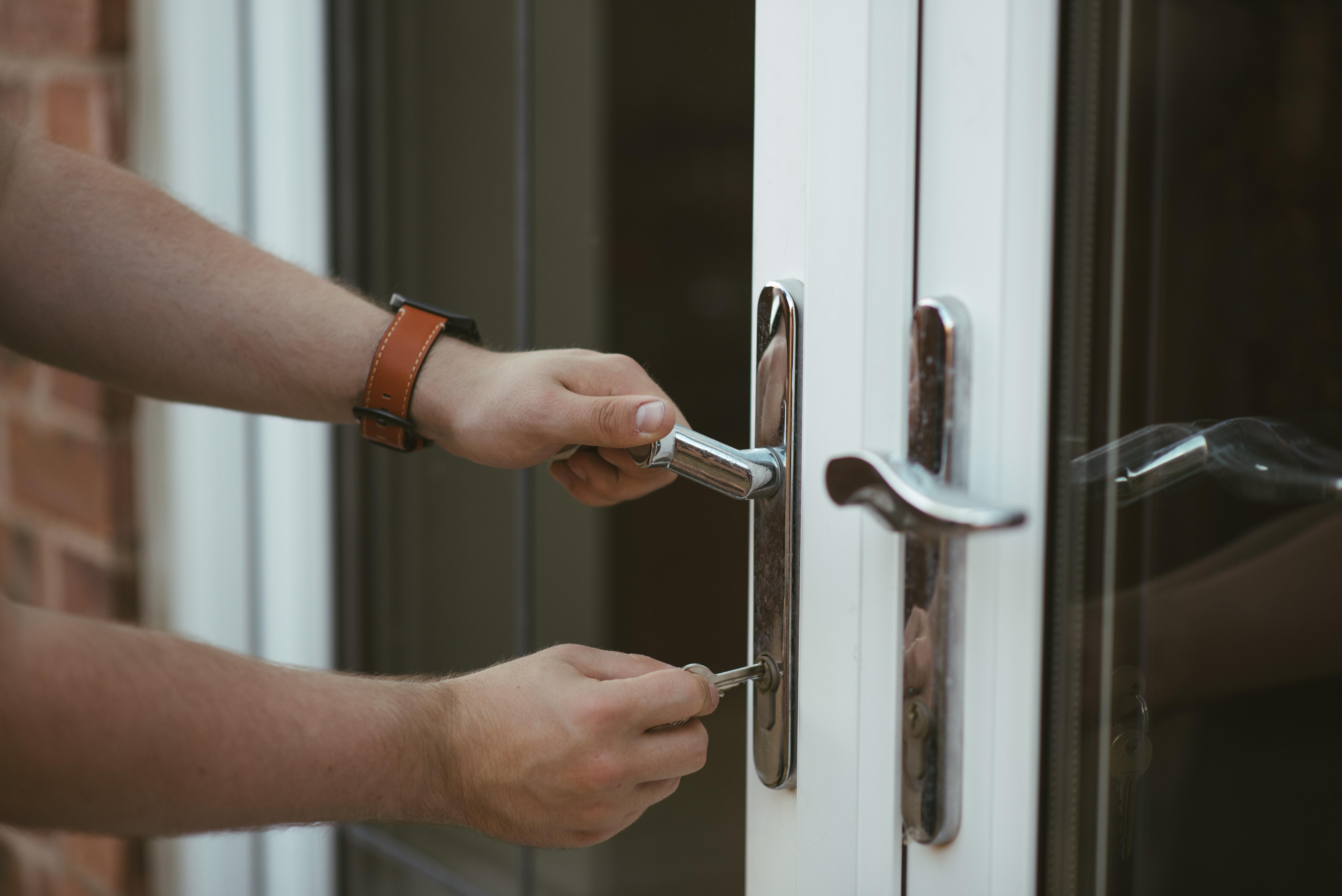 Harveys Lock Door Service